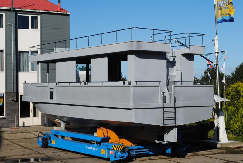 Housboat