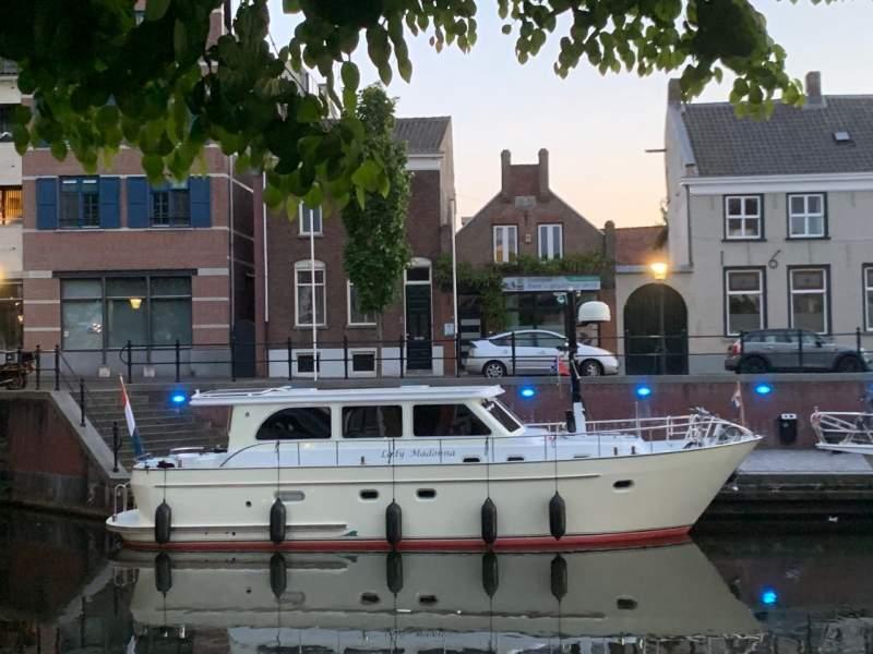 Lady-Madonna-in-Oudenbosch-3